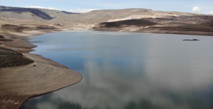 Demirdöven Barajı manzarasıyla nefesleri kesiyor