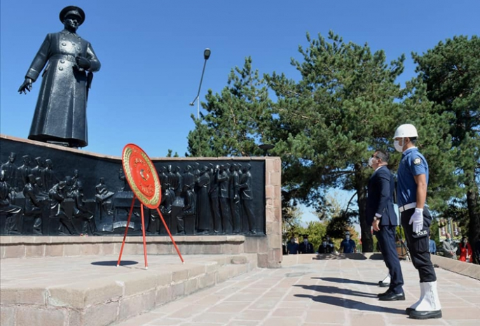 Erzurum'da Zafer Bayramı törenle kutlandı