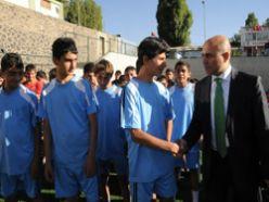 Erzurum'un futbol okulunda hasat zamanı