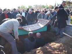 Esra öğretmen Bafra`da toprağa verildi