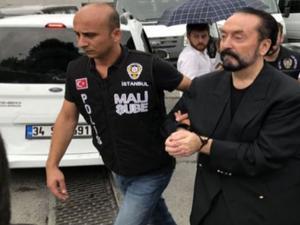 Adnan Oktar'ın şantaj video ve ses kayıtları ele geçirildi