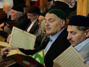 Ayaz Paşa Cami Erzurumlularla dolup taşıyor
