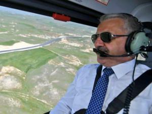 Bakan Arslan, Erzurum'un karayolu ağını helikopterden inceledi