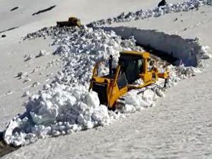 Bayburt'ta Haziran ayında karla mücadele