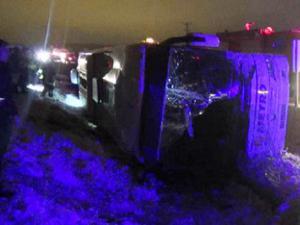Bayburt'ta yolcu otobüsü devrildi: Ölü ve yaralılar var