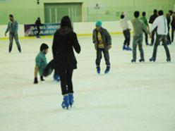 Erzurum`da en popüler spor buz pateni