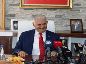 Binali Yıldırım'dan belediyelerdeki akraba ataması açıklaması!