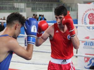 Erzurum'da boks heyecanı devam ediyor