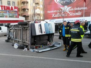 Erzurum'da feci kaza kameraya yansıdı