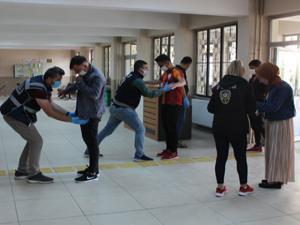 Erzurum'da sosyal mesafeli YKS