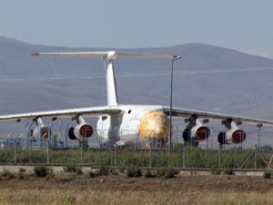 Erzurum Havalimanında müzelik uçak