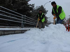 Erzurum kar yağışıyla birlikte beyaz örtüyle kaplandı