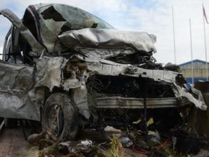 Erzurumlu aile Eskişehir'de kaza geçirdi: 5 ölü 2 yaralı...