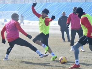 Erzurumspor, Başakşehir hazırlıklarına başladı...