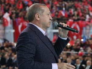 Ezan tartışması sürüyor! 'Erdoğan'ın rekoru bu'