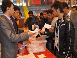Erzurum Ak Parti`de gençler başkan seçti