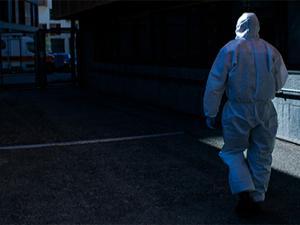 İtalya'da son 24 saatte 420 ölüm