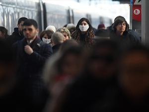 İtalya'da son 24 saatte 566 kişi öldü