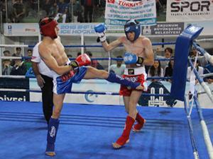 Kick Boks Şampiyonası heyecanı başladı