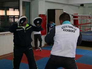 Kick Bokscular Avrupa yolunda