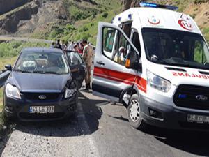 Köprüköy'de trafik kazası: 9 yaralı