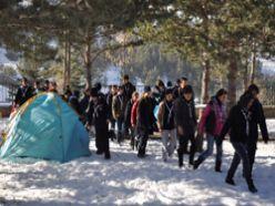 Erzurumlu izcilerden kış kampı