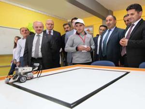 Milli Eğitim'den Köprüköy'e robotik sınıf