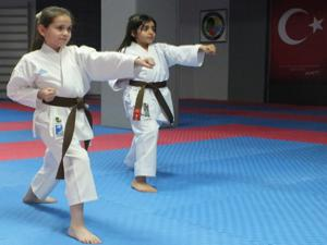 Minik karatecilerin kuşak sınavı