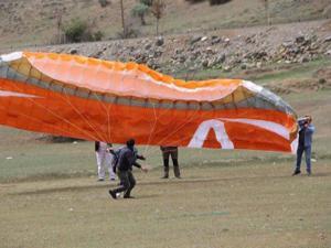 Oltu'da yamaç paraşütü eğitimi verildi
