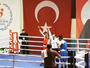Özkan boks temsilcisi oldu