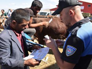 Polis sahte para konusunda uyardı