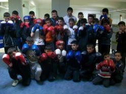 Gençlikspor`un boksörleri tam gaz