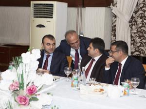 Rektör Çomaklı Erzurum Protokolünü iftarda ağırladı