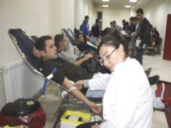 PMYO Öğrencilerinden Van`a kan bağışı