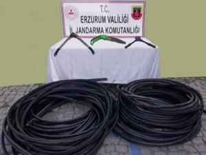 Tortum'da kablo hırsızları suçüstü yakalandı