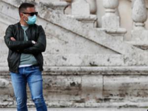 Yeni normalin formülü: Maske ve sosyal mesafe