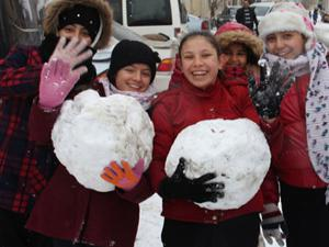 Yurtta yoğun kar yağışı! Birçok ilde eğitime ara verildi
