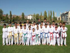 Oltu'da taekwondo kuşak sınavı