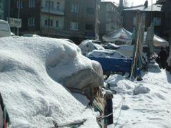 Seyyar satıcılara soğuk engeli