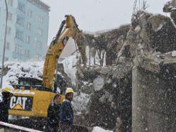Yakutiye'de kaçak bina yıkımı 3 gün sürdü