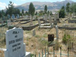 Asri mezarlık cennet gibiymiş!
