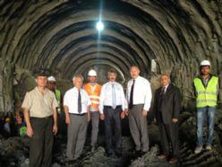 Vali Ünlüer Kop tünelinde incelemelerde bulundu