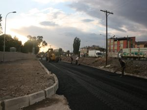 Pasinler'de Mehmet Sekmen Caddesi asfaltlandı