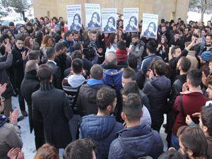 Atatürk Üniversitesi öğrencileri Özgecan için tek yürek oldu