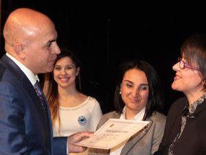 Erzurum'da anne üniversitesi ilk mezunlarını verdi...