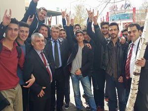 MHP Milletvekili adayları Çimen ve Hızarcı Dadaşkent esnafını dinledi