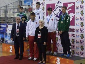 Palandöken Belediyesi'nin boksörü Otçu bronz madalya kazandı...