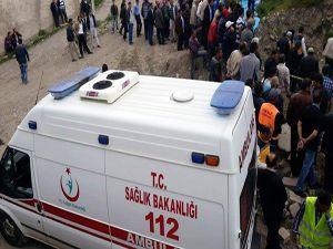 Erzurum'da inşaat iskelesi çöktü: 1 ölü, 2 yaralı