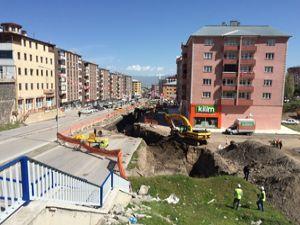 Büyükşehir Belediyesi Bosna Caddesi'nde dere rehabilitasyonu yapıyor