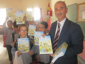 Erzurum'da 15 bin öğrenciye çizgi romanı dağıtıldı